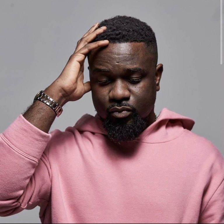 Trending Picture of Sarkodie on Twitter. From grass to grace.